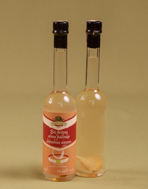 Bio prima alma pálinka -bőralma ágyon- 44% 100ml