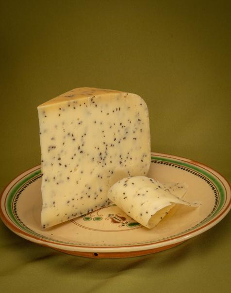 Bio érlelt félkemény sajt -feketeköményes-