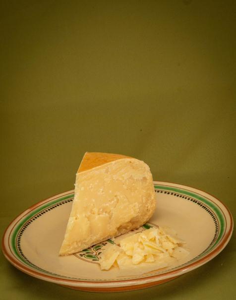 Bio érlelt kemény sajt, 12-18 hónap közötti érlelésű