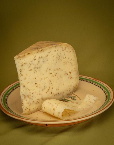 Bio érlelt félkemény sajt -római köményes-